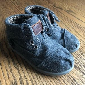 TOMS Grey Wool Botas